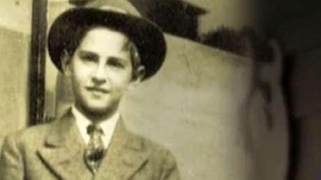 Ao longo da adolescência, Cohen foi considerado um prodígio da matemática