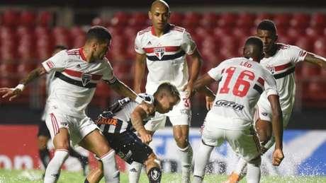 São Paulo goleou o Santos no Morumbi (Foto: Divulgação Twitter Santos)