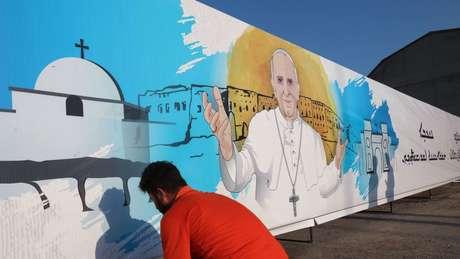 É a primeira vez que um papa visita o Iraque.