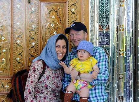 Nazanin Zaghari-Ratcliffe foi libertada, mas não poderá voltar a Londres por uma nova acusação do governo