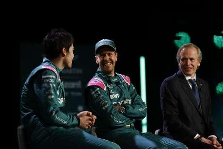 Sebastian Vettel foi só sorrisos na apresentação da Aston Martin para a temporada 2021 da F1