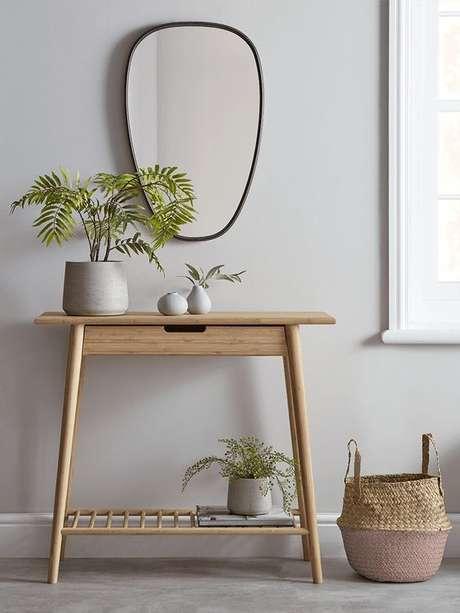 20. Aparador retro madeira pequena – Foto Pinterest