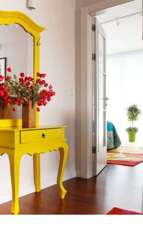 38. Aparador retro amarelo – Foto Pinterest