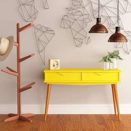 8. Aparador retro amarelo – Foto Aprimore Móveis e Decoração