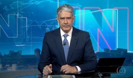 Visivelmente abalado, Bonner representa na TV a angústia que todo jornalista que cobre a pandemia tem sentido