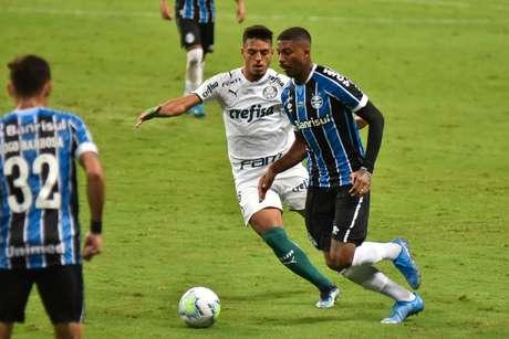Jean Pyerre foi titular no jogo de ida contra o Palmeiras