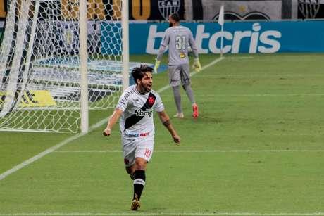 Benítez, em ação com a camisa do Vasco pelo Brasileiro