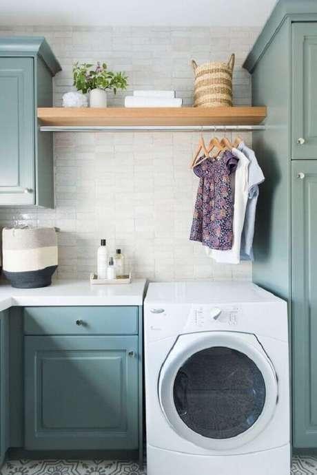 21. Prateleira para lavanderia decorada com estilo vintage. Foto: Apartment Therapy