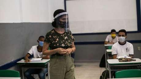 Entidades ligadas a profissionais da educação recebem constantes relatos de trabalhadores sobre dificuldades do ensino presencial