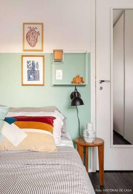 44. Porta branca com espelho para quarto moderno – Foto Histórias de Casa