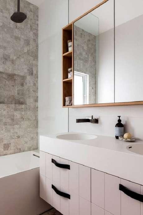 18. Decoração com espelheira para banheiro planejado – Foto Pinterest