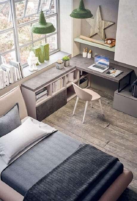 5. Decoração com escrivaninha de canto para home office no quarto. Foto: Pinterest