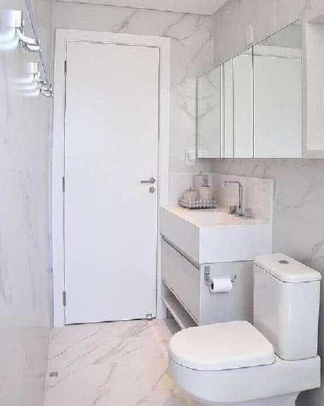 19. Decoração com espelheira para banheiro simples – Foto Pinterest