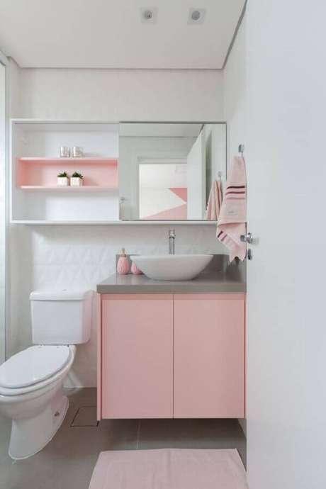 46. Espelheira para banheiro branco e rosa – Foto Rúbia M. Vieira Interiores
