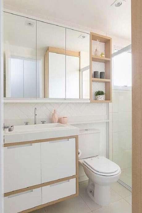 56. Gabinete para banheiro com espelheira decorado em cores claras – Foto Pinterest