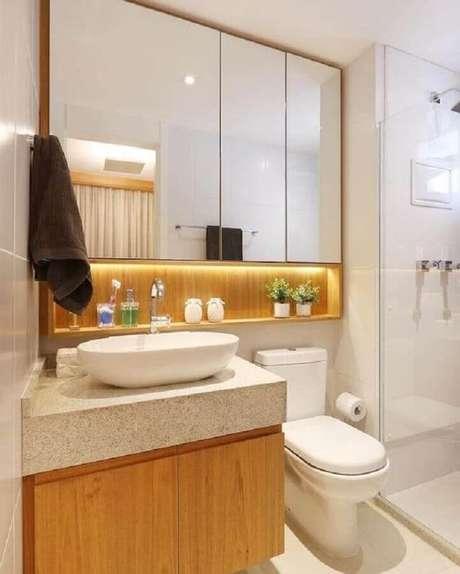 57. Decoração com espelheira para banheiro com LED – Foto Pinterest