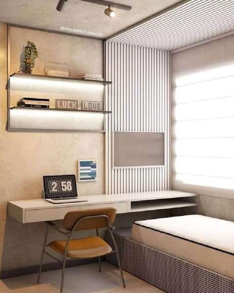 12. Home office no quarto planejado com decoração moderna. Foto: Pinterest