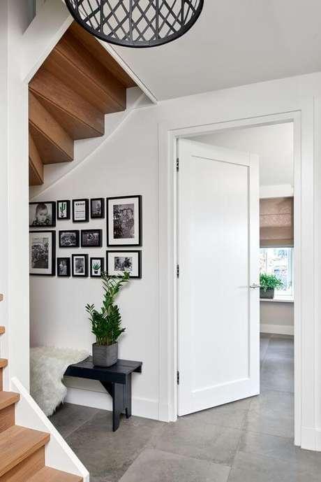 3. Casa com porta branca para quarto – Foto Pinterest