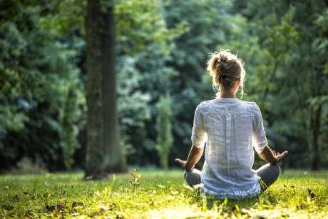 Meditar é controlar o fluxo dos pensamentos