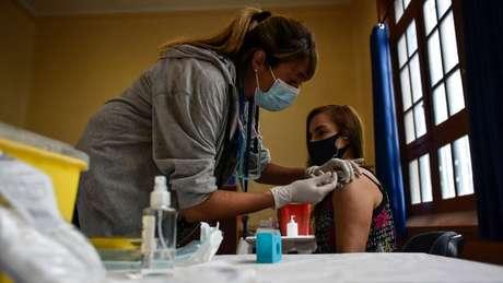 O Chile é hoje o país da América Latina com o maior percentual da população vacinada