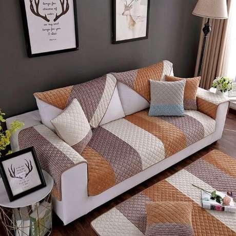 21. Capa para sofá pequeno estampado – Foto Pinterest