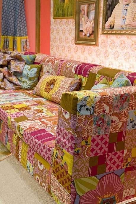 43. Capa de sofá colorido feito de patchwork – Foto Flickr