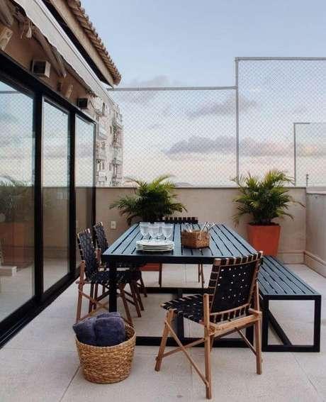 12. Mesa para área externa adequada ao seu ambiente – Foto IZ Studio
