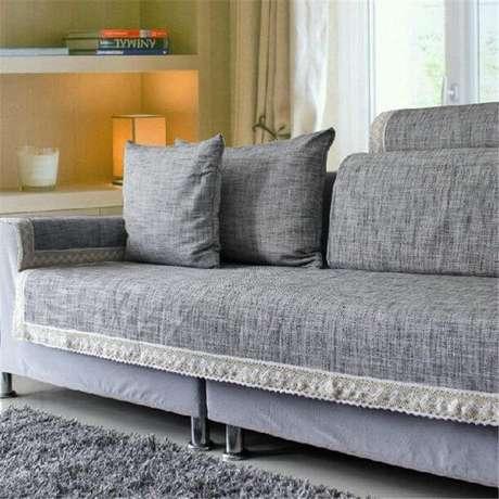 46. Capa de sofá cinza para sala moderna – Foto Amazon