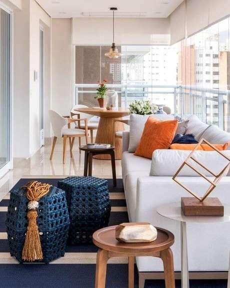 35. Mesa para varanda gourmet pequena – Foto Erica Salguero Arquitetura