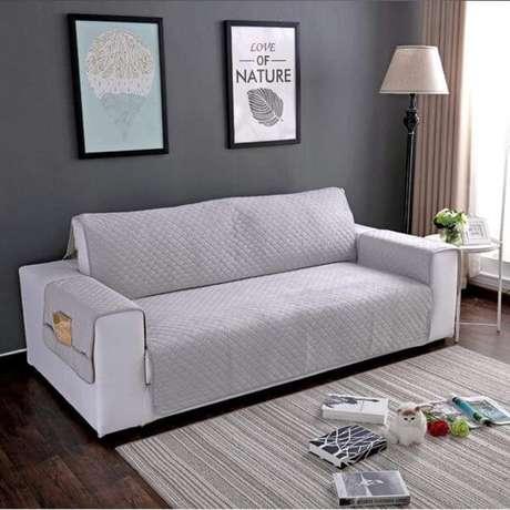 17. Capa de sofá impermeável na cor cinza – Foto Amazon