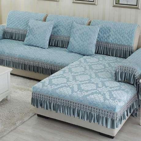38. Sofá de canto com capa azul – Foto Shopee Indonesia