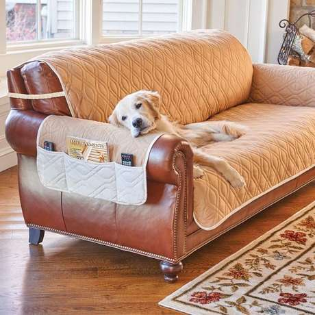 7. Capa de sofá de couro na cor bege – Foto Improvement Catalog