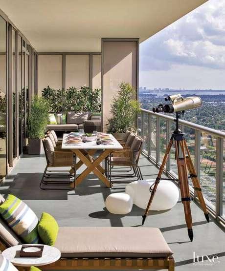 31. Mesas e cadeiras para área externa – Foto Luxesource