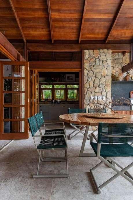 37. Mesa para área gourmet externa – Foto Casa de Valentina