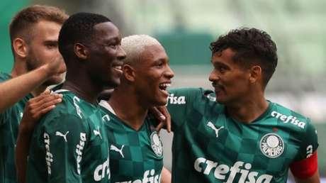 Com destaque dos garotos da base, Palmeiras vence a Ferroviária e segue  invicto no Paulistão