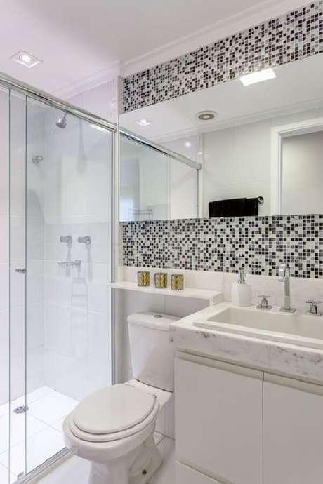 9. A pastilha preto e branca quebra a neutralidade do banheiro. Fonte: Pinterest