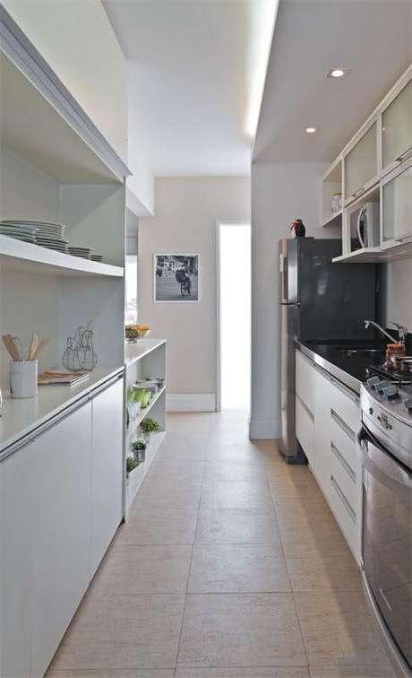 67. Projeto clean com cerâmica para cozinha – Foto Pinterest