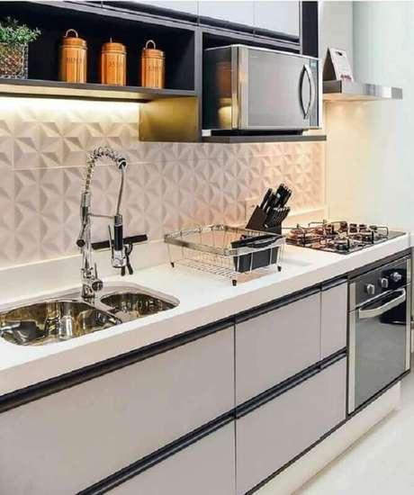 9. Decoração moderna com armários planejados e azulejo de cozinha 3D branco e cerâmica para cozinha – Foto Fashion Bubbles