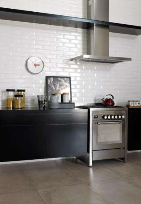 31. Cerâmica para cozinha moderna em tons neutros são perfeitas – Foto Pinterest