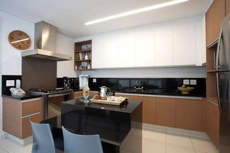 39. Cerâmica para piso de cozinha moderna – Foto Ih Desings