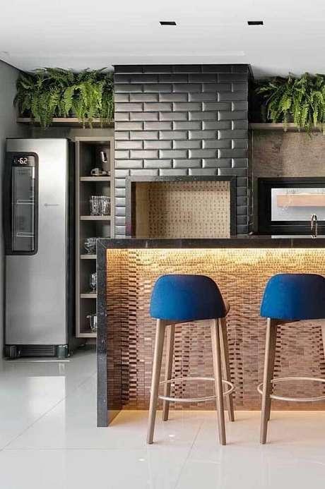 11. Churrasqueira de tijolinho pequena e moderna na cozinha de casa – Foto Pinterest
