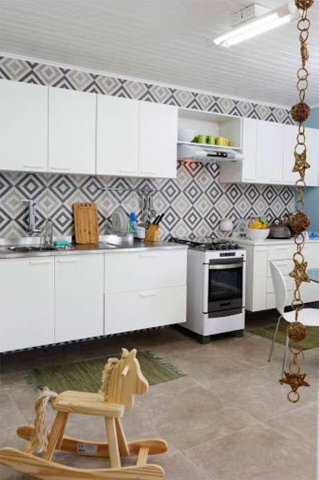 50. Cozinha com revestimento de cerâmica – Foto Geo Tochha Concept Designer