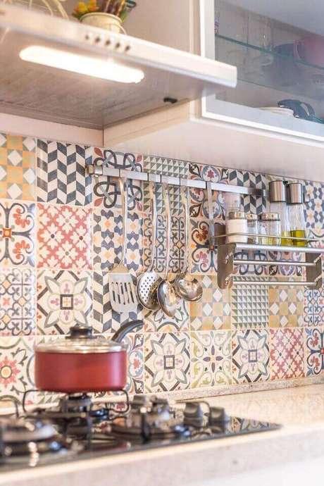 8. Cerâmica para cozinha colorida de ladrilhos criativos – Foto Andrea Fonseca