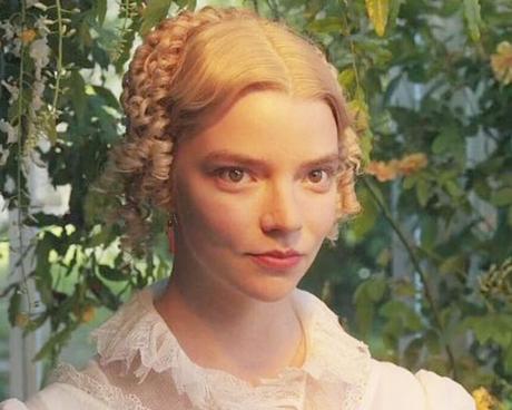 Anya Taylor-Joy como Emma