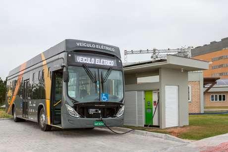 Ônibus elétrico em Florianópolis.