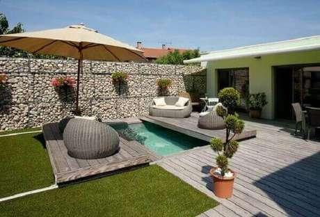 23. O azulejo para piscina é um dos revestimentos mais conhecidos pelo público. Fonte: Habitissimo