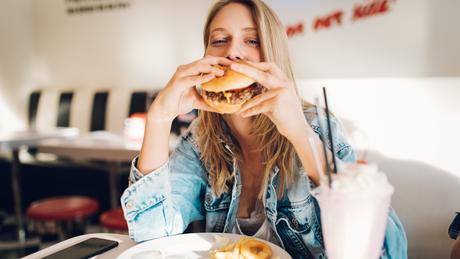 Quais são os signos que costumam comer mais