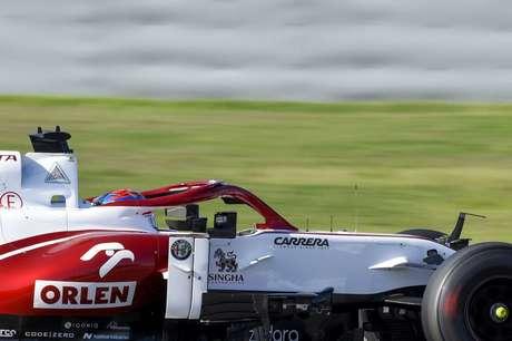Kimi Räikkönen deu 166 voltas neste domingo