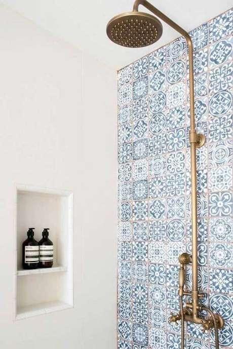 19. Modelo clássico de azulejo de banheiro estampado. Foto: Pinterest