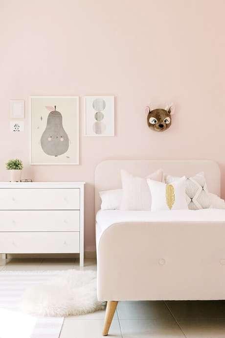 10. Cor rosa pastel para decoração de quarto infantil feminino pequeno – Foto Cute & Paste